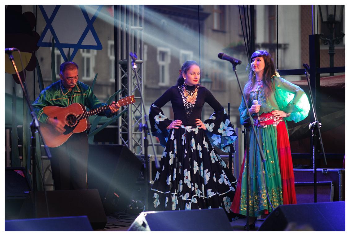 02.05.13 Cygański Teatr MuzycznyTerno w Swarzędzu. Nie chcemy pokazywać rasistowskich Braci.