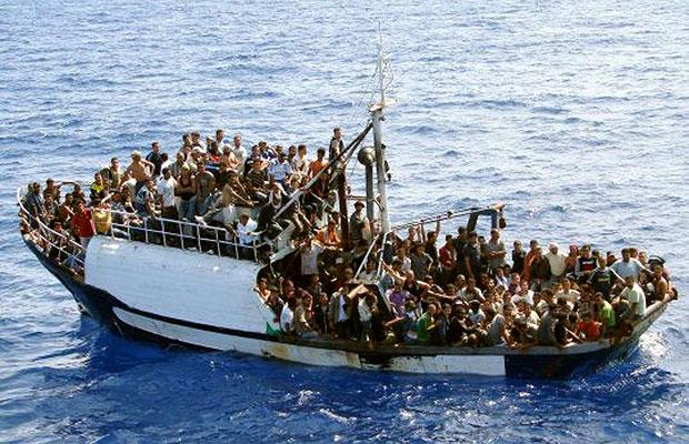 Migranci na Morzu Śródziemnym.