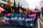 """29.10.16 Linz. Ponad 3500 osób protestowało przeciwko tzw. """"Kongresowi Obrońców Europy"""" organizowanemu przez skrajną prawicę."""