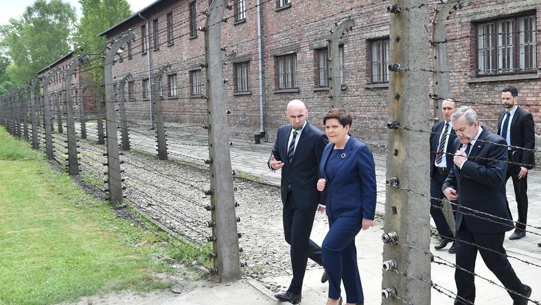 14.06.17 Beata Szydło straszyła uchodźcami na terenie byłego obozu Auschwitz.