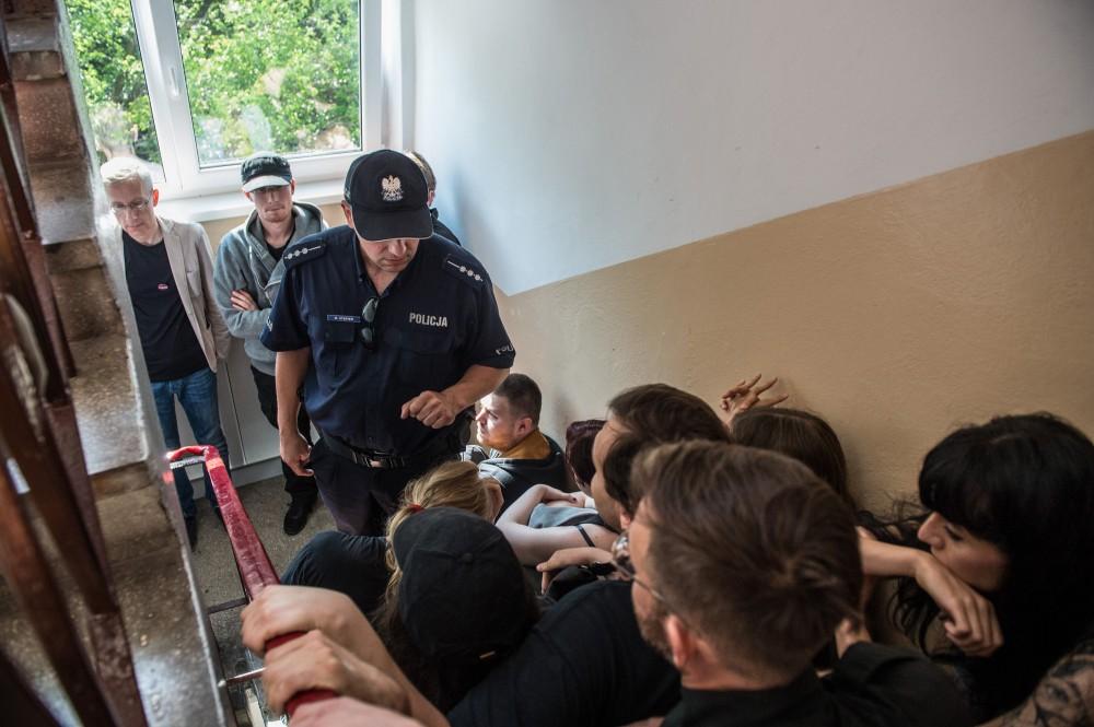 12.07.17 Wrocław. Blokada eksmisji 80-letniej kobiety.