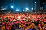 W marcu 2017 r. masowe protesty obaliły prawicowy rząd.