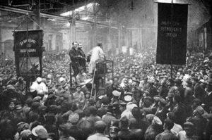 wiec w Zakładach Putiłowskich w 1917 r.