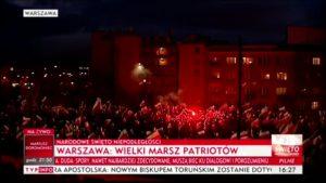 TVP opisuje marsz prowadzony przez faszystów i rasistów.