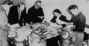 Druga część Archiwum Ringelbluma była umieszczona w dwóch metalowych bańkach po mleku. Została odkryta 1 grudnia 1950 r.
