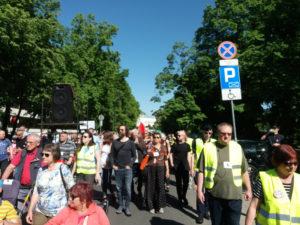 05.05.18 Demonstracja solidarności z protestującymi rusza spod Sejmu.