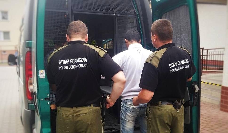07.2018 Okolice Przemyśla. Strażnicy graniczni zatrzymują kolejnego człowieka. Otworzyć granice!