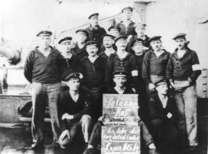Listopad 1918, Wilhelmshaven. Rada marynarska okrętu wojennego Prinzregent Luitpold.