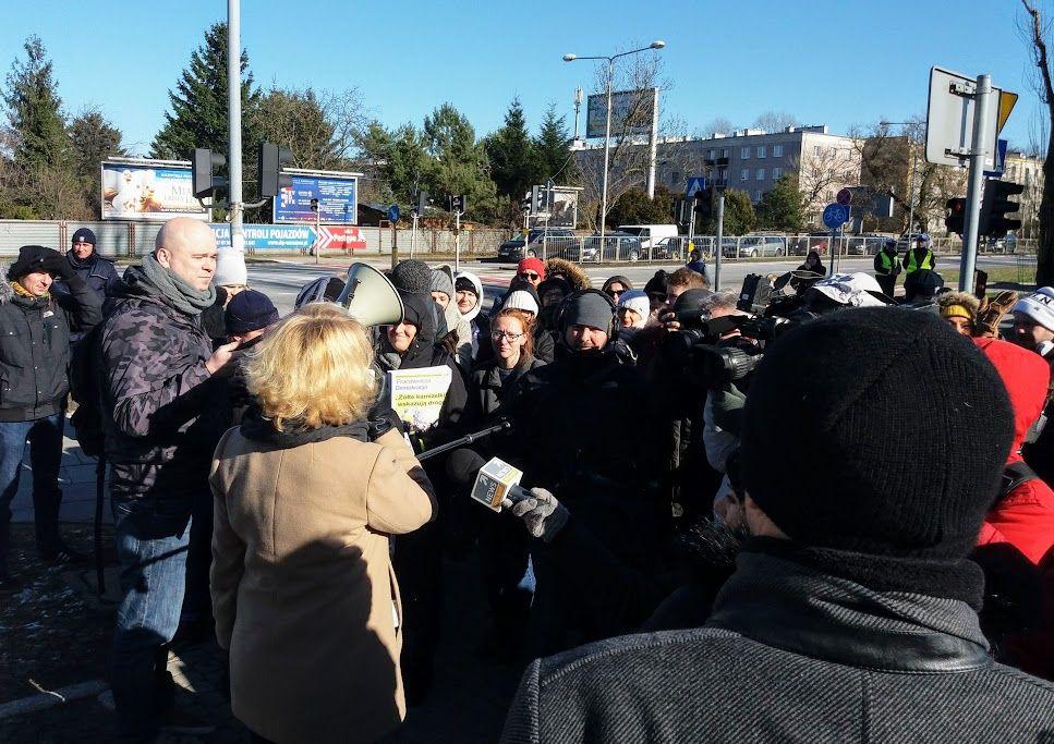 22.02.19 Pikieta przed siedziba PLL LOT. Pracownicy pokazali, że można wygrać.