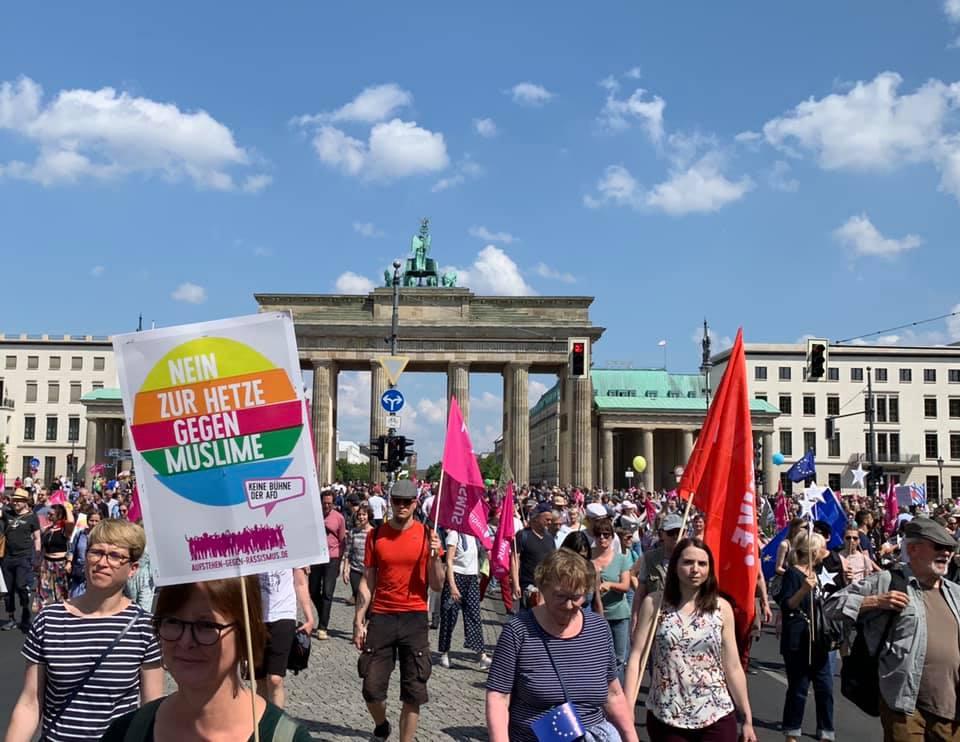 19.05.19 Berlin. 150 tys. osób uczestniczyło w antyrasistowskich  demonstracjach w Niemczech, w Berlinie – 20 tys.