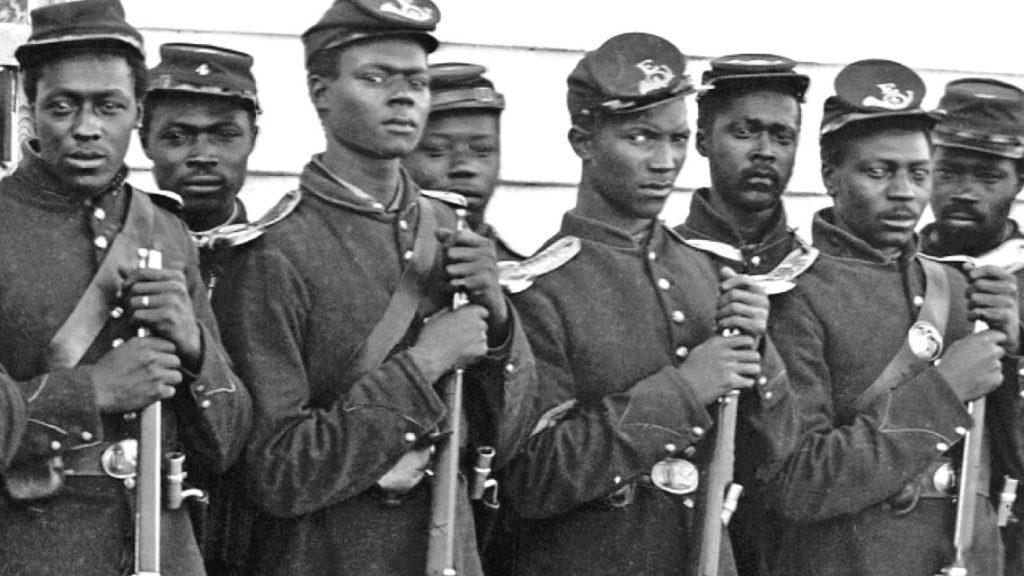 Żołnierze podczas wojny secesyjnej w USA. Większość z nich było niewolnikami.