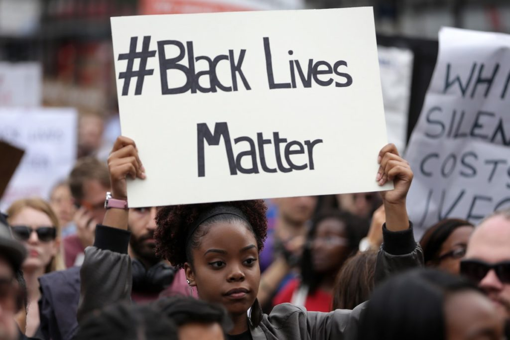 Napis: #Black Lives Matter