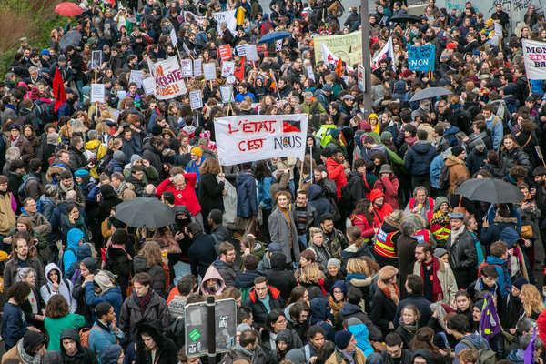 05.03.2020 Strajk przeciw neoliberalnym atakom Macrona.