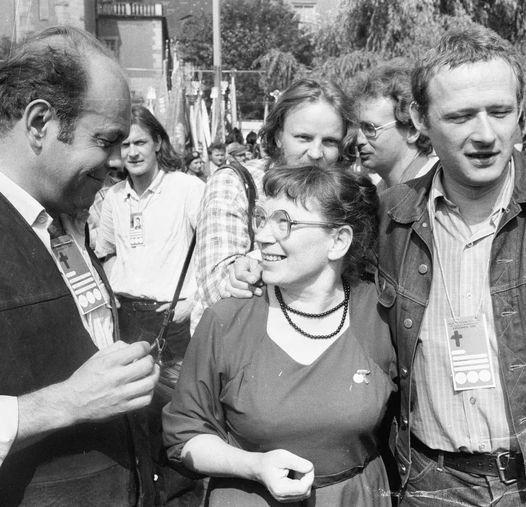 1981 r. Obchody 25. rocznicy Poznańskiego Czerwca '56. Kuroń, Walentynowicz i Michnik.