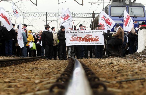26.03.13 Katowice. Związkowcy blokują tory.