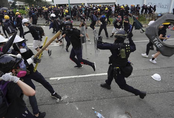 24.08.2019 Dziesiątki tysięcy ludzi przeciwstawiły się represjom policyjnym w 12. tygodniu masowych protestów.