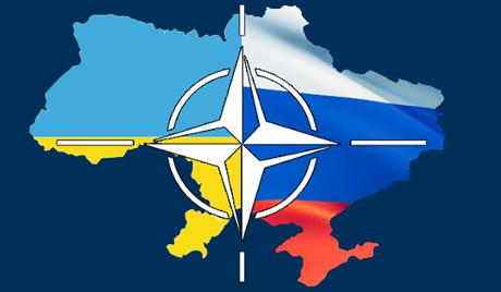 Symbol NATO, flagi Ukrainy i Rosji