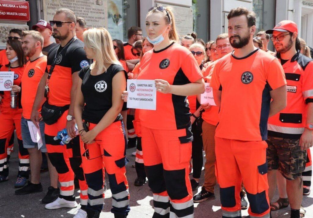 30.06.21 Łódź. Opór klasy pracowniczej. Ogólnopolski protest ratowników medycznych.