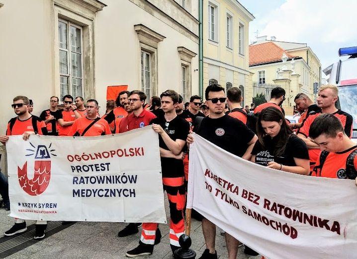 30.06.21 Ministerstwo Zdrowia.  Protest ratowniczek i ratowników medycznych.