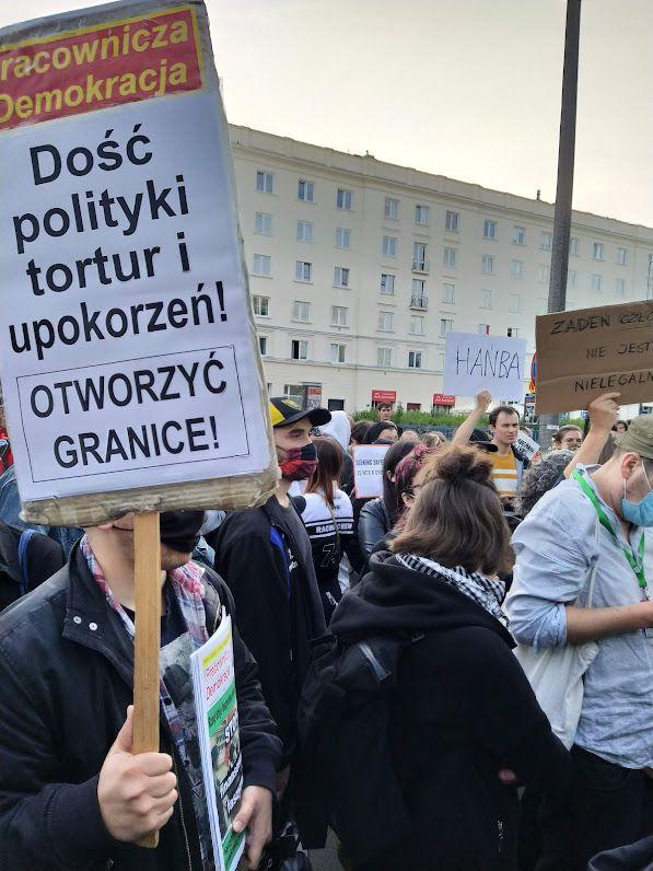 25.08.21. Protest przed  siedzibą Straży Granicznej.