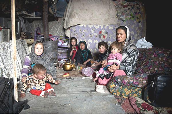 Obóz dla uchodźców w Kabulu, w 2011 roku. W wyniku okupacji pojawiły się ogromne rzesze uchodźców.